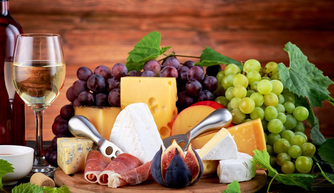 5 tipos de queijo para você harmonizar com vinho