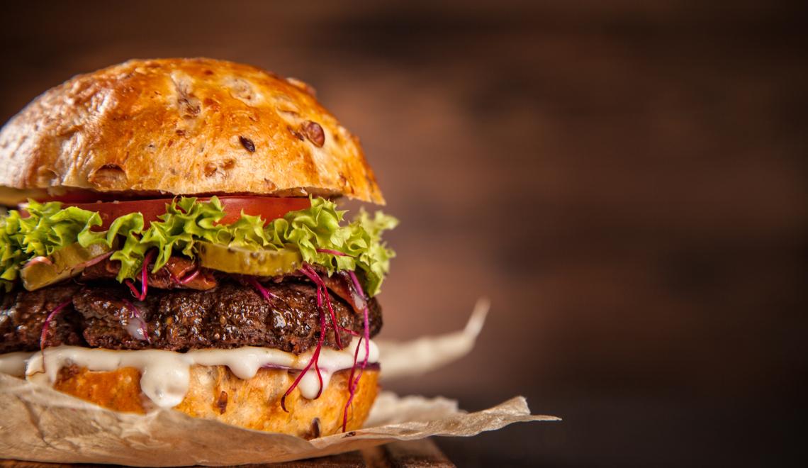 8 restaurantes para você comemorar o Dia do Hambúrguer