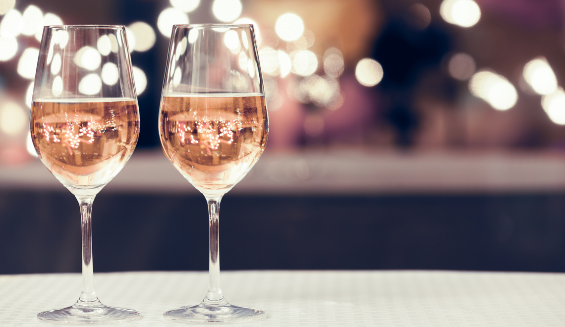 Resultado de imagem para tipos de taças para vinho rosados